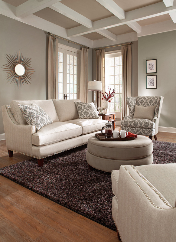 Duchess Nailhead Sofa D40600-3153